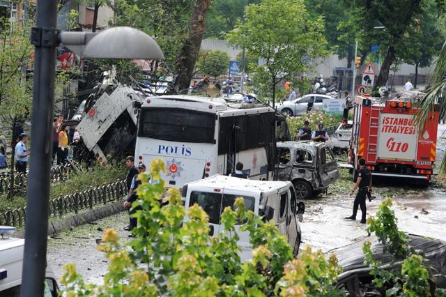 Bomb attack on police kills 11 in Istanbul