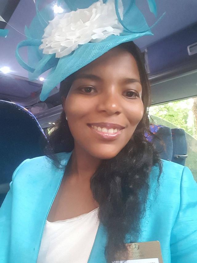 La Seychelloise Angélique Pouponneau reçoit la médaille des jeunes leaders de la Reine Elisabeth au palais de Buckingham
