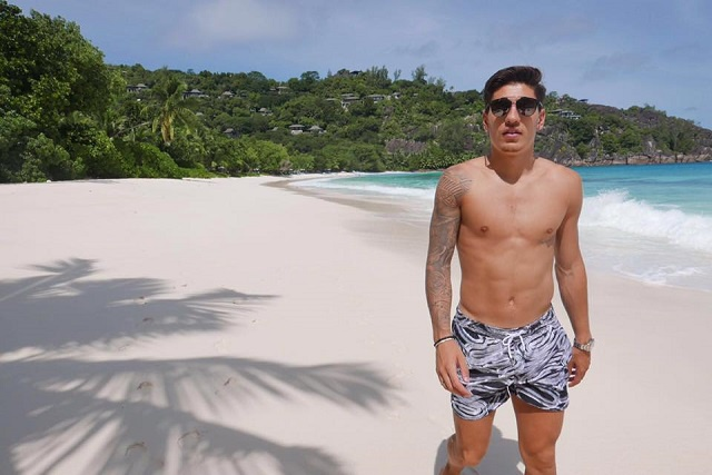 An Arsenal football riddle: Does Bellerin's 'Paradise' = Seychelles?