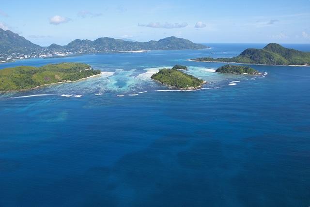 La connexion française à 6 grandes îles granitiques des Seychelles