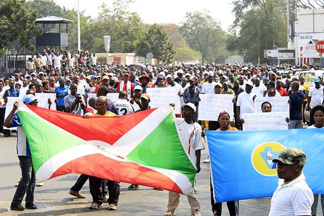 Burundi: manifestation à l'appel du pouvoir contre la France et la résolution de l'ONU