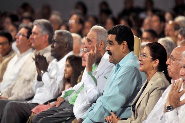 A 90 ans, Fidel Castro se montre et s'en prend aux Etats-Unis