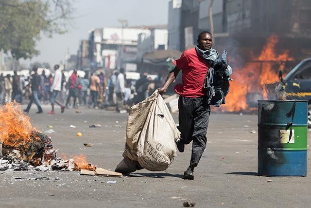 Violentes échauffourées au Zimbabwe entre police et manifestants de l'opposition