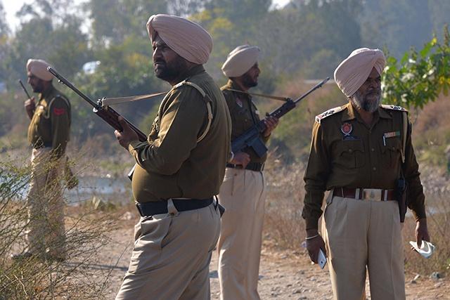 Cachemire indien: 17 soldats tués dans une attaque rebelle