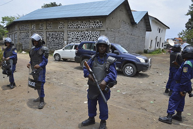 """Violences à Kinshasa : plus de 50 morts selon l'opposition, qui veut """"amplifier la mobilisation"""""""