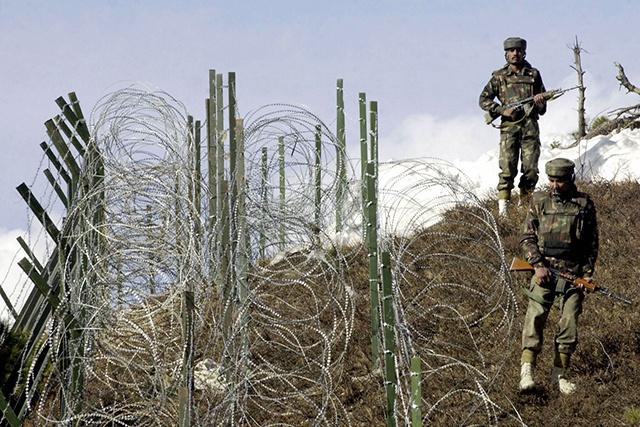 Colère du Pakistan après des frappes de l'Inde au Cachemire