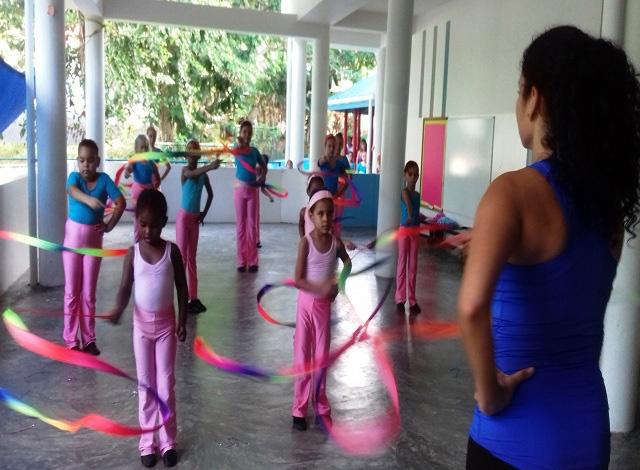 Waltz away! UK-trained professional dancer opens academy on Seychelles' island of Praslin