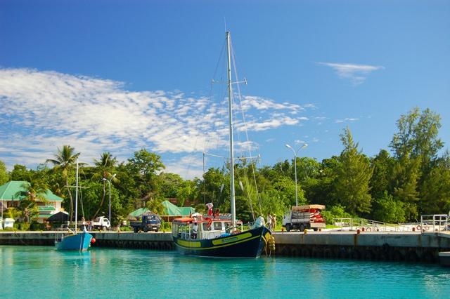 Cousins transfrontaliers des îles: des descendants Seychellois et Réunionnais découvrent des liens ancestraux