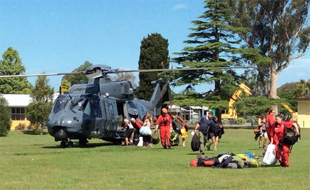 Aftershocks as tourists evacuated in quake-hit New Zealand