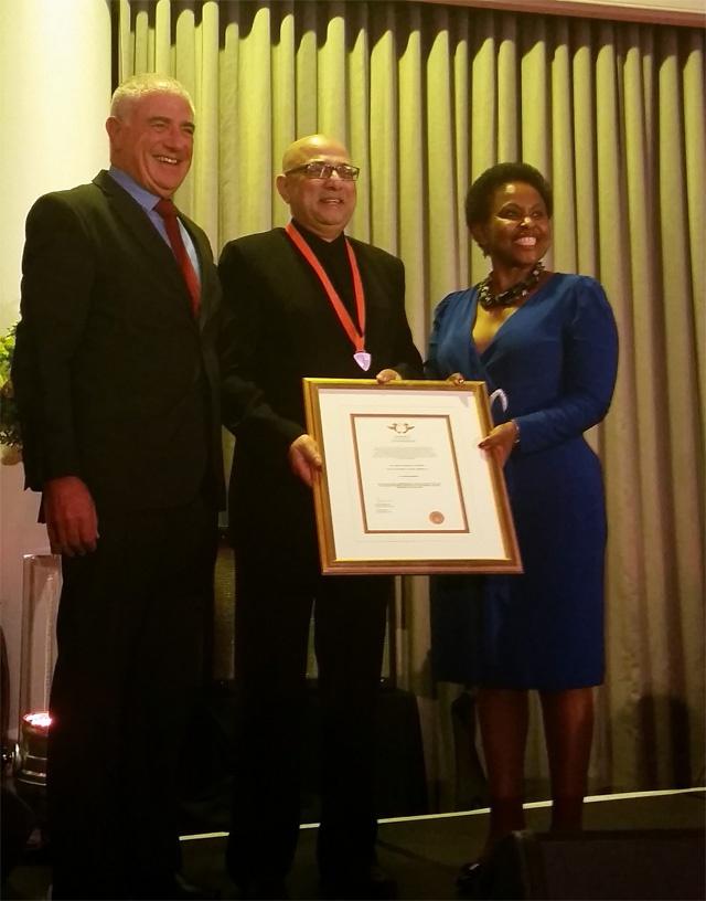 Un docteur né aux Seychelles reconnu en Afrique du Sud pour le traitement du VIH / SIDA