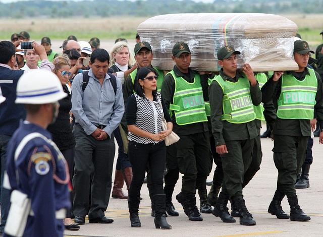 Bolivia blames airline for footballers' plane crash