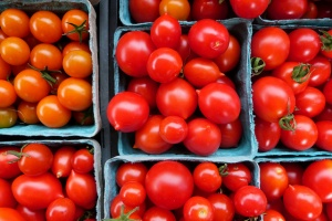 Seychelles imposes temporary ban on South African tomatoes; shortage looks likely