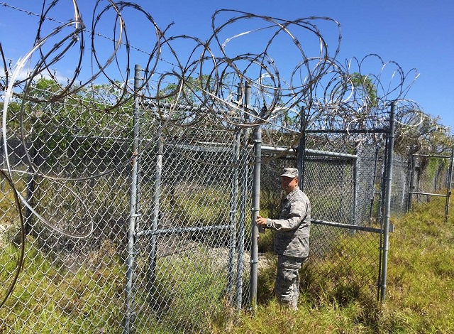 White House ignores Trump's Gitmo warning