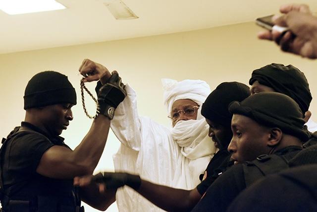 L'ex-président tchadien Hissène Habré jugé en appel lundi à Dakar pour crimes contre l'humanité