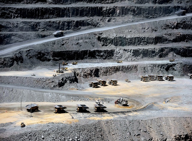 Africa mining sector meets amid commodity price comeback