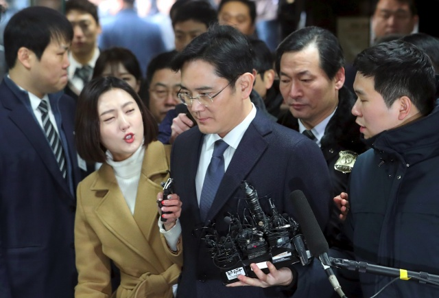 S. Korea court mulls fresh bid to arrest Samsung heir