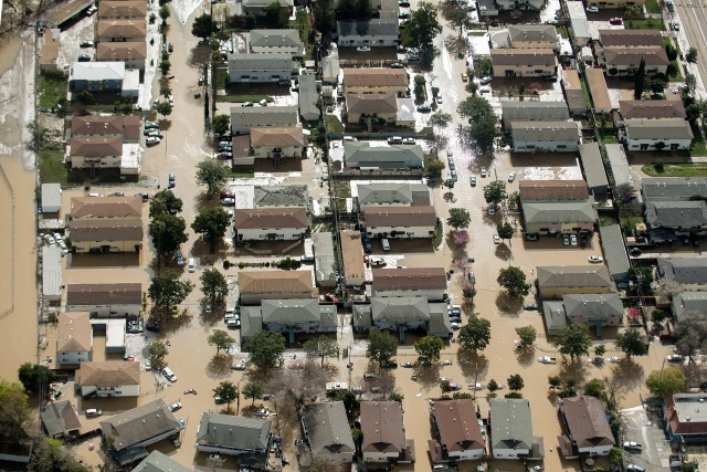California requests $440 mn for flood control after dam crisis