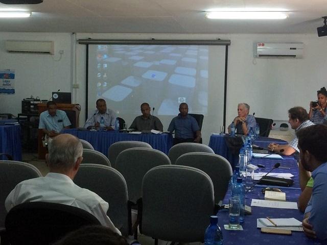 L'industrie de la pêche: l'économie des Seychelles va souffrir si les règles de capture du thon sont respectées