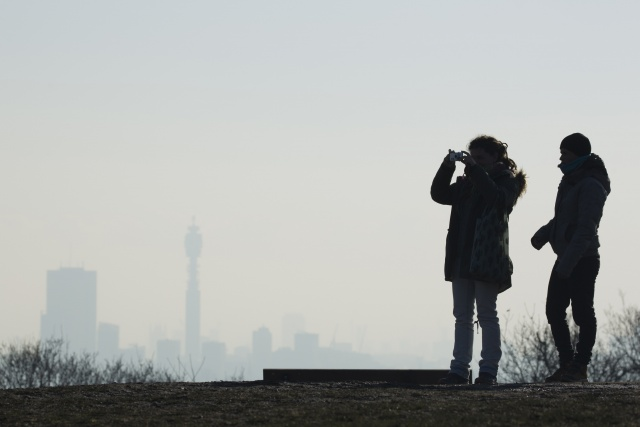 Polluted London sets its sights on cars