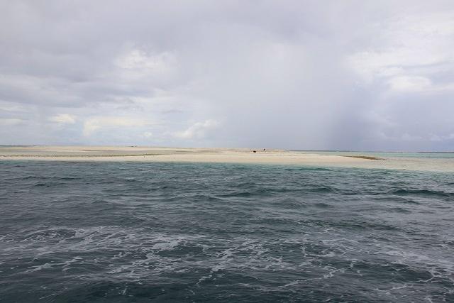 Deux nouvelles îles? Le cyclone entraine la formation de grandes dunes de sable au large de l'île de Farquhar des Seychelles