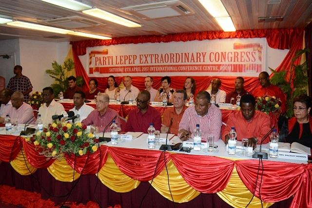 Le Président des Seychelles considéré comme le meilleur candidat du Parti Lepep après la démission de Michel