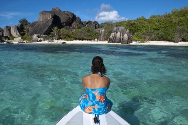 Magnifique plage aux Seychelles mise en avant par 'National Geographic Traveler'