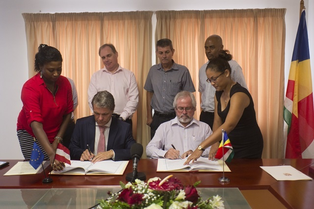 Austria, Seychelles sign air transport agreement; increase in tourism, trade expected