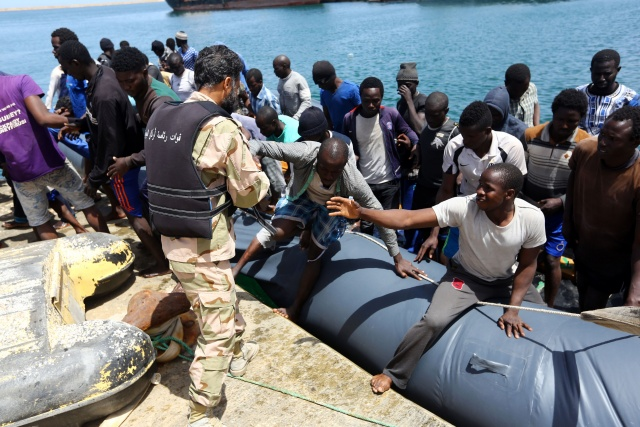 3000 rescued off Italian coast in one day