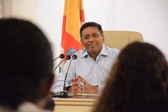 Conférence de presse: le président des Seychelles étudie le projet de Grand-Bay, les problèmes d'attribution des terres