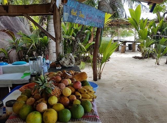 Les Seychelles vont réglementer les vendeurs sur les plages de l'île de La Digue