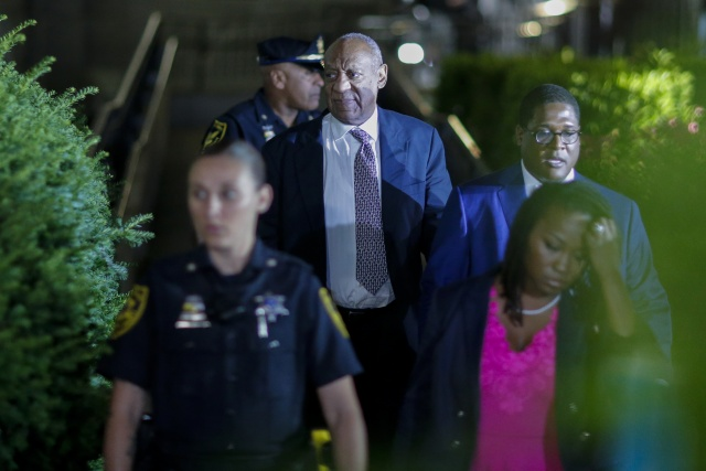 Deadlocked Cosby jury asks about 'reasonable doubt'