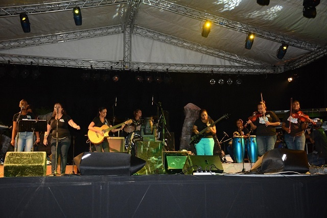 Seychellois artists prepare for next international music market using experience from France