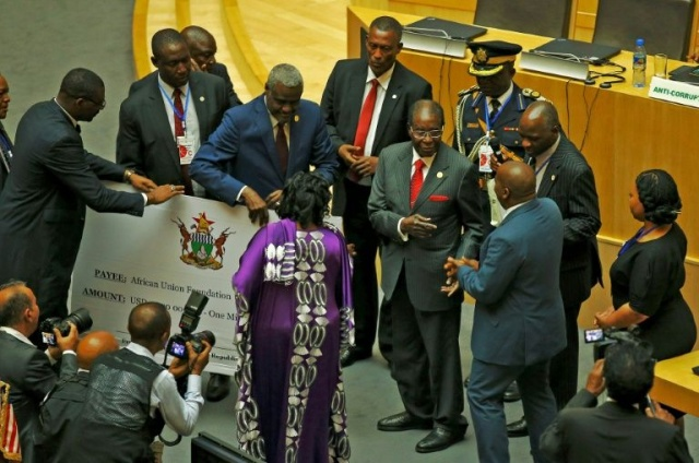 Zimbabwe: Mugabe vend des vaches pour financer l'Union africaine