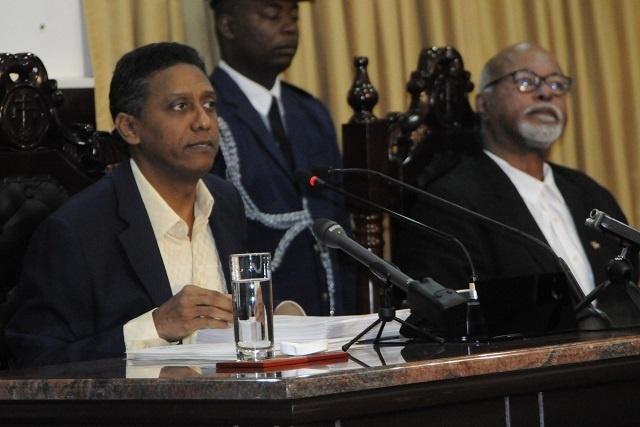 L'âge de la retraite va passer à 65 ans, pas d'augmentation des taxes, a indiqué le Président des Seychelles à l'Assemblée nationale