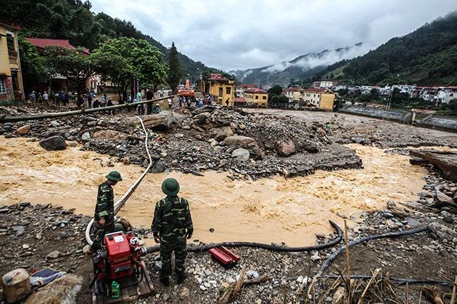 Inondations et coulées de boue au Vietnam: 26 morts