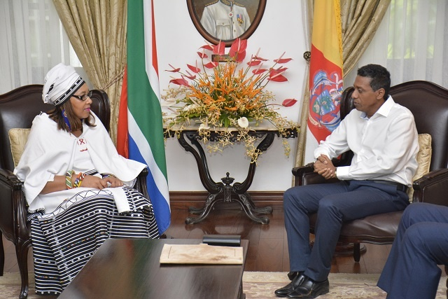Tourism, education discussed by Seychelles' president, South African high commissioner