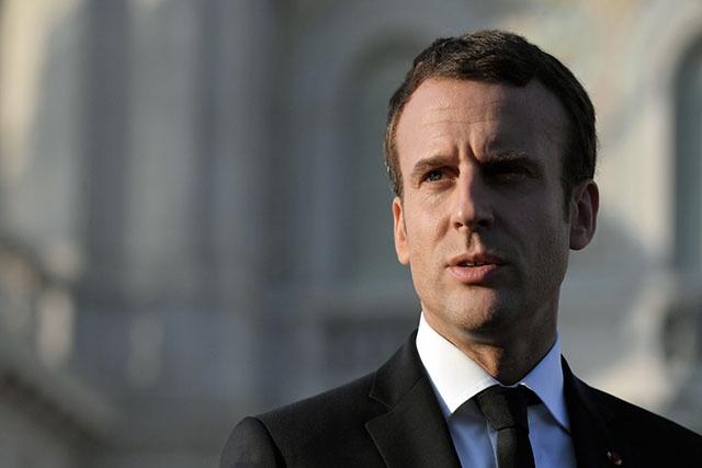 """Cent jours après son élection, Macron à l'épreuve du """"désamour"""" des Français"""