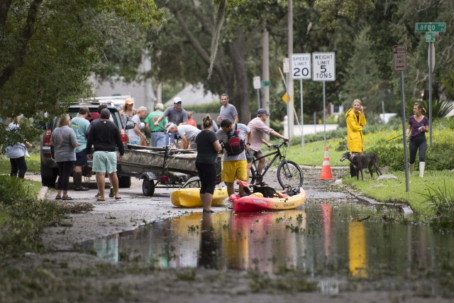 Millions without power in Florida as deadly Irma ploughs north