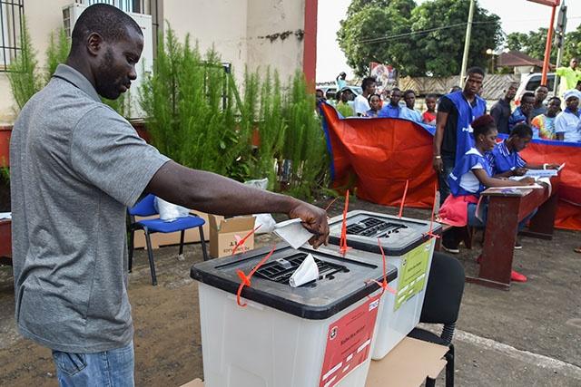 Les Libériens aux urnes pour une présidentielle très ouverte