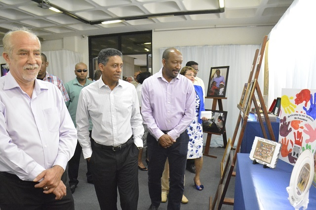 Showcasing transparent approach, Seychelles' president displays official gifts of first year in office
