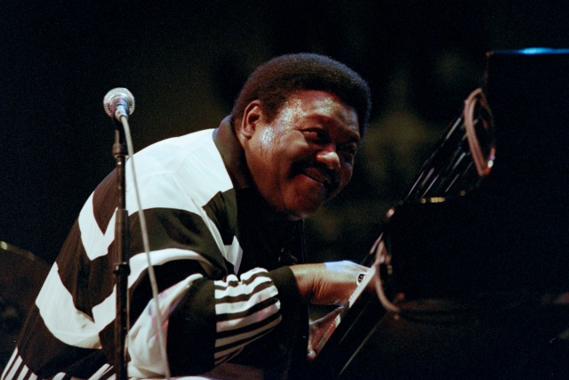 Fats Domino, boogie-woogie pianist who pioneered rock, dead at 89