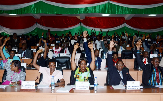 Burundians cheer court withdrawal with 'bye bye ICC'