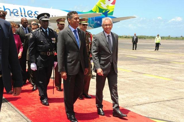 Les Seychelles et Maurice signent 4 protocoles d'accord.