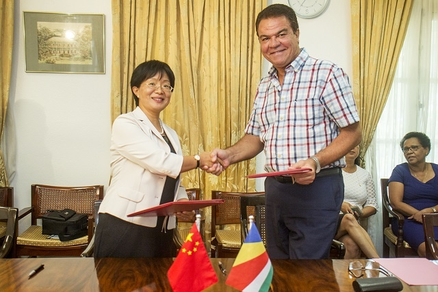 China gives Seychelles $ 7.3 million grant for educational facility