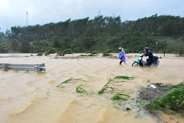 Typhon au Vietnam: 49 morts à quelques jours du sommet de l'Apec