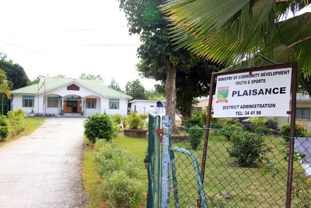 Des conseils régionaux nommés remplaceront les conseils de district, dont les élections étaient prévues en 2018, aux Seychelles