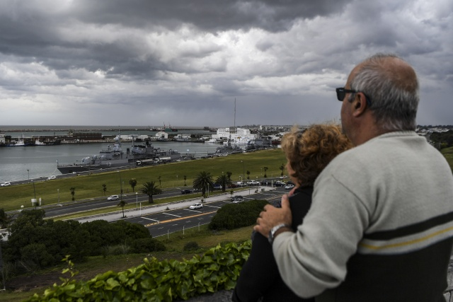 Families of missing Argentine submarine crew cling to hope