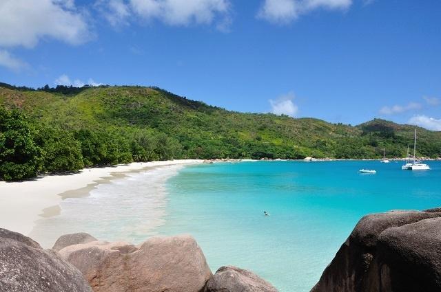 Soleil, sable et mer: Deux plages des Seychelles dans le Top 50