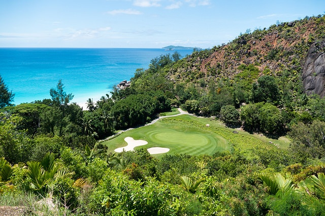 2 great golf courses to play while enjoying life in Seychelles