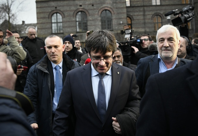 Session to re-election Puigdemont postponed